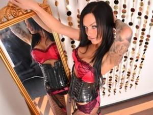 Neues Webcam Girl vor dem Spiegel